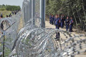 La valla costó 400 millones de euros y simboliza la fuerte política de aislamiento del conservador de derecha Viktor Orban
