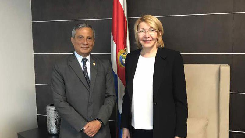 La fiscal destituida se encuentra en Costa Rica, donde se reunió con Jorge Chavarría y ofreció una conferencia de prensa a los medios