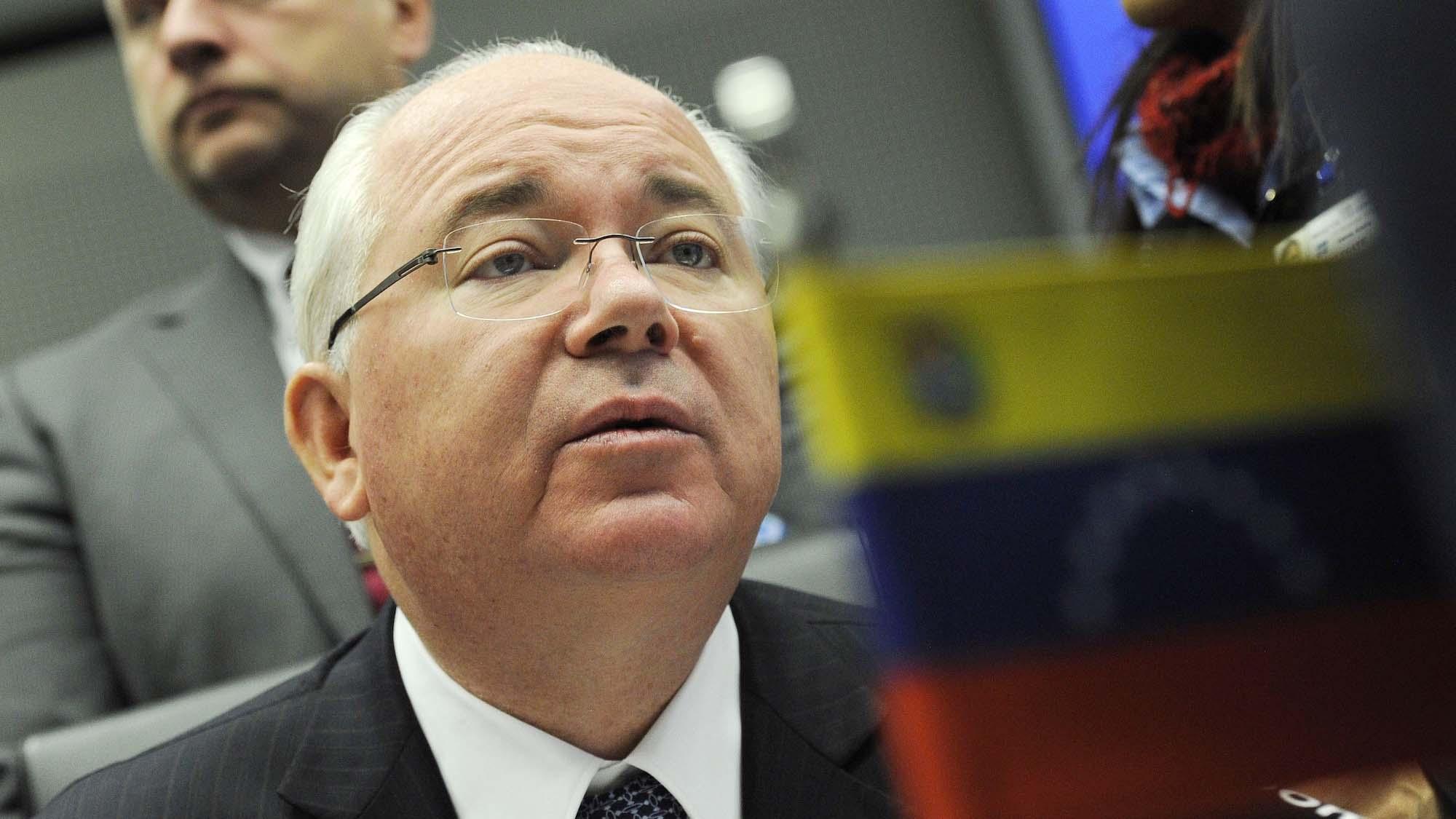 """El embajador aseguró que la meta del Gobierno norteamericano es impedir que el país """"pueda cumplir con sus compromisos económicos internacionales"""""""