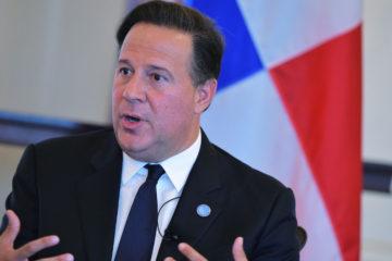 El presidente panameño señalóque le resulta preocupante la crisis institucional que atraviesa el país y abogó por una salida pacífica al conflicto político