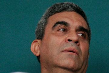 Abogado del general Baduel denuncia persecución en su contra