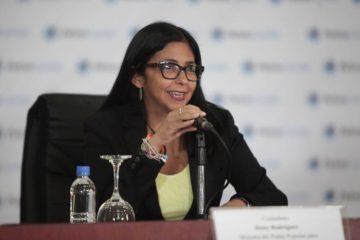 El decreto constituyente indica que la medida se toma para mantener la paz en el país