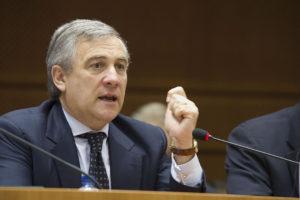 El presidente del Parlamento Europeo envió cartas a Donald Tusk y Jean-Claude Juncker para hacer la petición