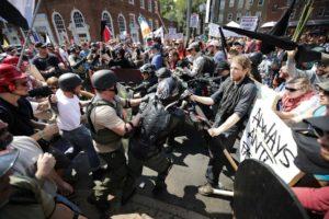 Otras 20 personas resultaron heridas tras el incidente ocurrido en medio de una marcha de blancos supremacistas, en Virgina