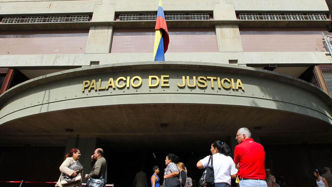 """El máximo tribunal revocó el arresto domiciliario por """"incumplimiento"""" de las condiciones impuestas para mantener el recurso"""