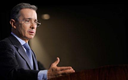 La decisión del tribunal le ordenó al senador retractarse frente al periodista Daniel Samper Ospina