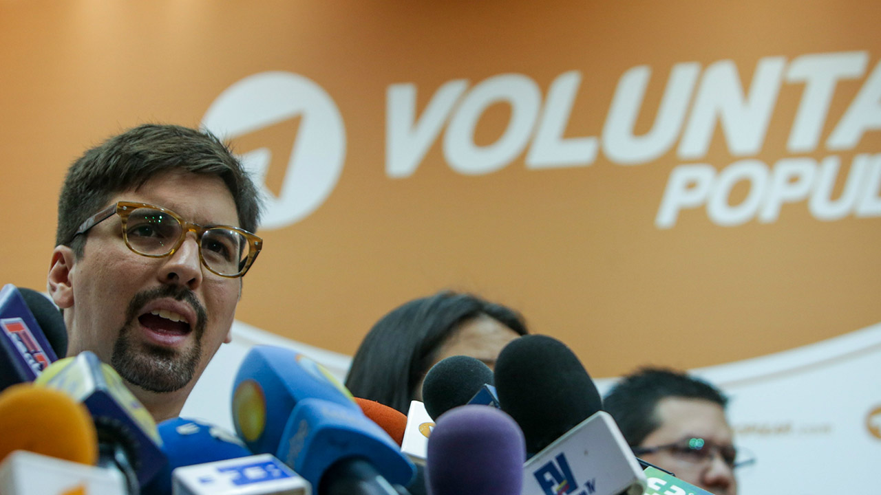 El coordinador del partido, Freddy Guevara, dice que las elecciones de gobernadores es una vía para salir de Gobierno