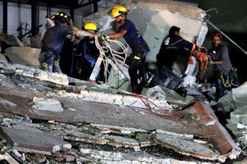 Rescatistas hallaron el cuerpo sin vida de una maestra en las ruinas del Colegio Enrique Rebsamen donde se encuentra la niña Frida
