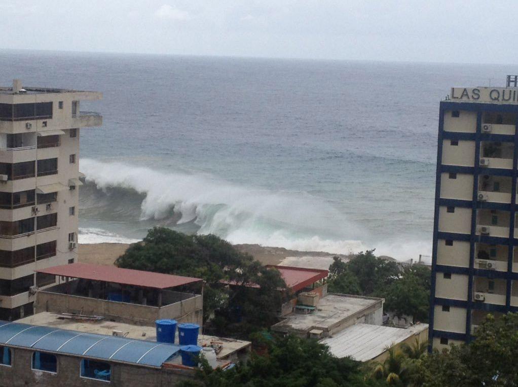 El paso del huracan de categoria cinco por las islas del Caribe producirá olas de entre uno a tres metros de altura