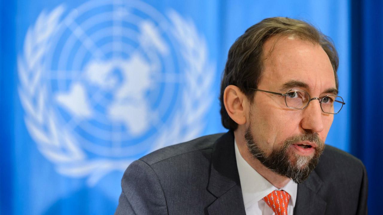 El alto comisionado insto a que se abriera una investigacion internacional mientras que Arreaza lo acuso de ofender al pais