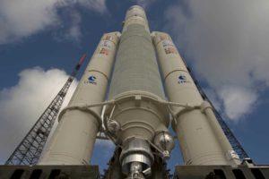 Catorce satélites han sido lanzados en cohetes Soyuz y otros cuatro con el europeo Ariane 5 en su versión ES, la de mayor capacidad