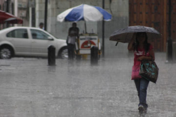 Debido a los efectos del paso del huracán María por el mar Caribe, se mantienen las medidas de prevención en parte del territorio nacional