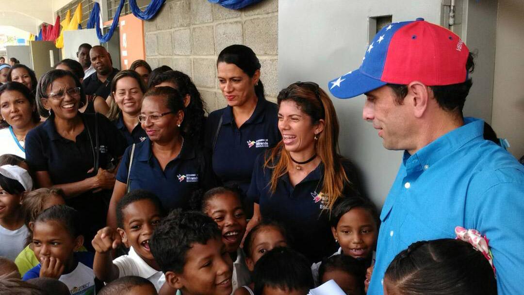 El Gobernador aseguró que este año por lo menos 251 mil 180 niños no se inscribieron en la escuela debido a la crisis