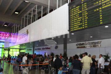 Fabiola Conde fue privada de libertad por solicitar a un pasajero cien dólares en efectivo para permitirle abordar su vuelo hacia un destino nacional