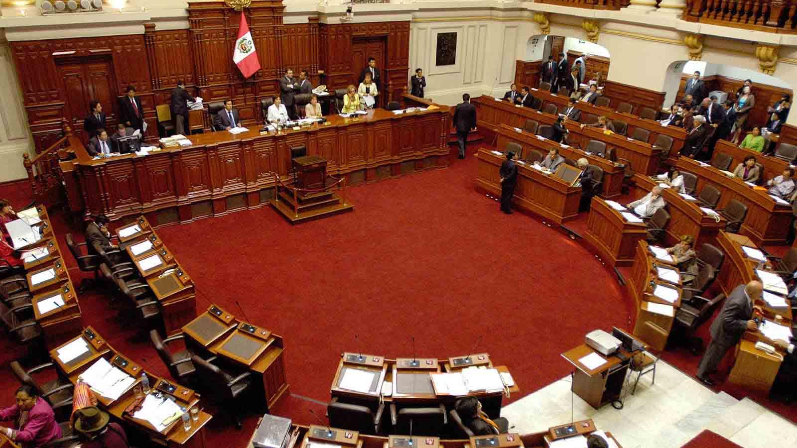 """Integrantes del partido derechista Fuerza Popular ratificaron su decisión de enfrentar a los tribunales debido a la """"ley antitransfuguismo"""""""