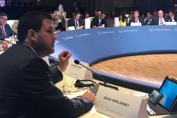 El destituido alcalde del municipio El Hatillo continúa de gira por Noruega y participó en el Parlamento Global de Alcaldes