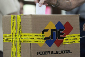 El Consejo Nacional Electoral aclaró también las condiciones para que los candidatos puedan hacerse propaganda en los distintos medios