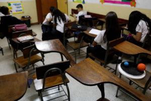 El ministro de Educación, Elías Jaua, felicitó a la comunidad educativa por cerrar el primer trimestre del año escolar