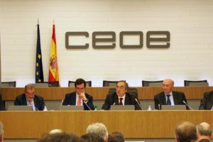 """La CEOE aseveró estar """"con la legalidad y por el cumplimiento estricto de las leyes y la Constitución española"""""""