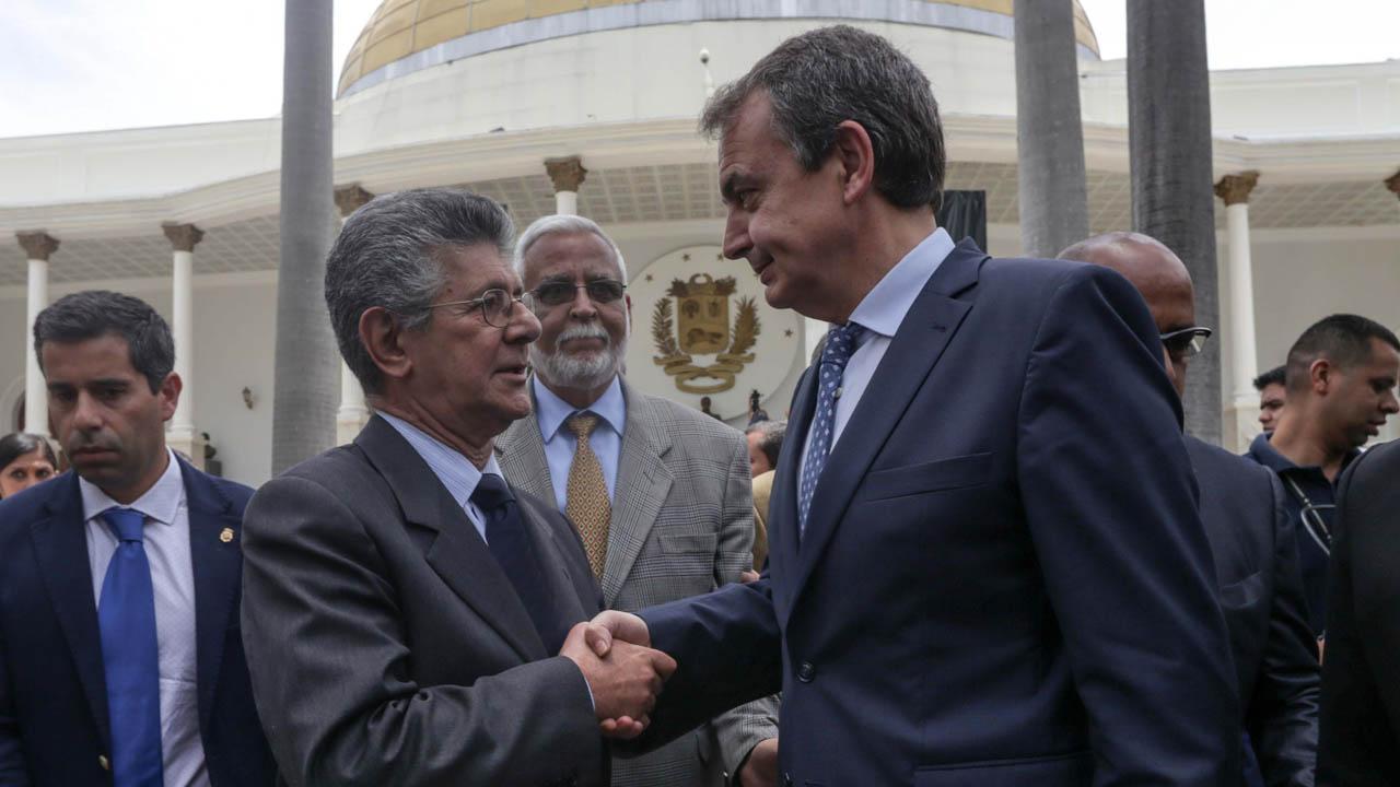 En opinión de Azucena Correa, de haberse materializado el acuerdo propuesto por Rodríguez Zapatero, viviríamos un gran cambio