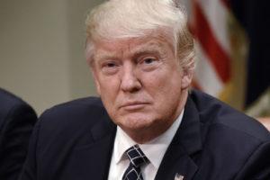 El mandatario estadounidense afirmó que mantendrá las medidas hasta que se hayan restablecido las libertades