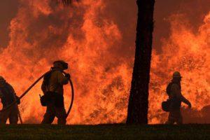 20.000 personas evacuadas, 1.500 casas, negocios o edificios destruidos y otros daños han causado las llamas