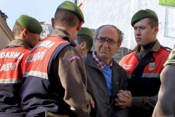 Dogan Akhanli era buscado en Turquía por un supuesto robo con homicidio perpetrado en 1989 en una casa de cambio en Estambul