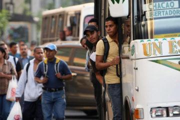 Hugo Ocando, presidente delos transportistas del bloque oeste de Caracas, informó que ha disminuido drásticamente el número de unidades en las vías