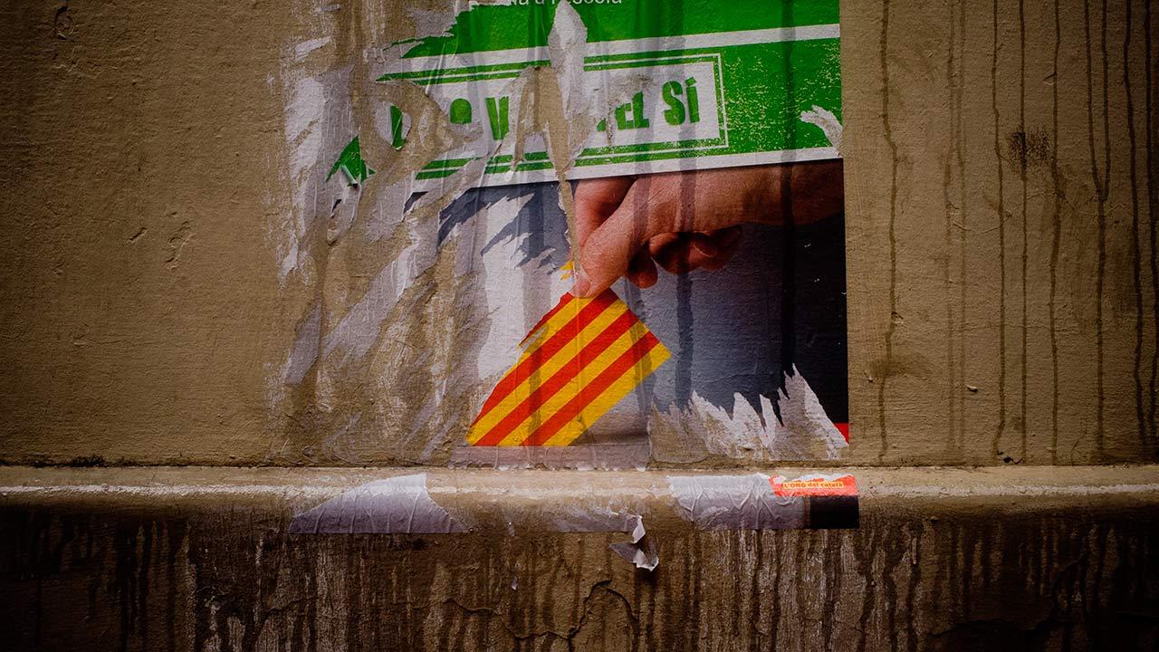 """El jefe de Gobierno español Mariano Rajoy explicó que no dejarán de reconocer """"la autonomía de la región pero si a las personas que actuaron fuera de la ley"""""""