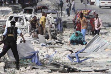 Un hombre realizó el ataque con un camión cargado de explosivos, que también generó otros 40 heridos