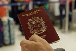 Juan Carlos Dugarte, director del Saime, anunció que también es necesario que tengan cuatro páginas libres de sellos
