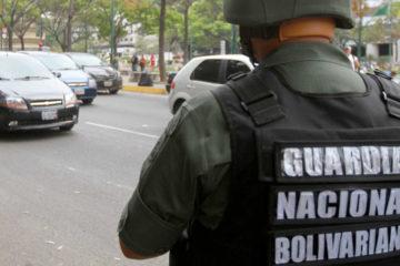 El abogado Fermín Mármol García destacó que actualmente el ejercito venezolano ha tenido que cubrir las funciones policiales