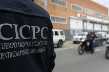 El efectivo recibió un disparo cuando un delincuente disparara contra una Comisión del cuerpo policial