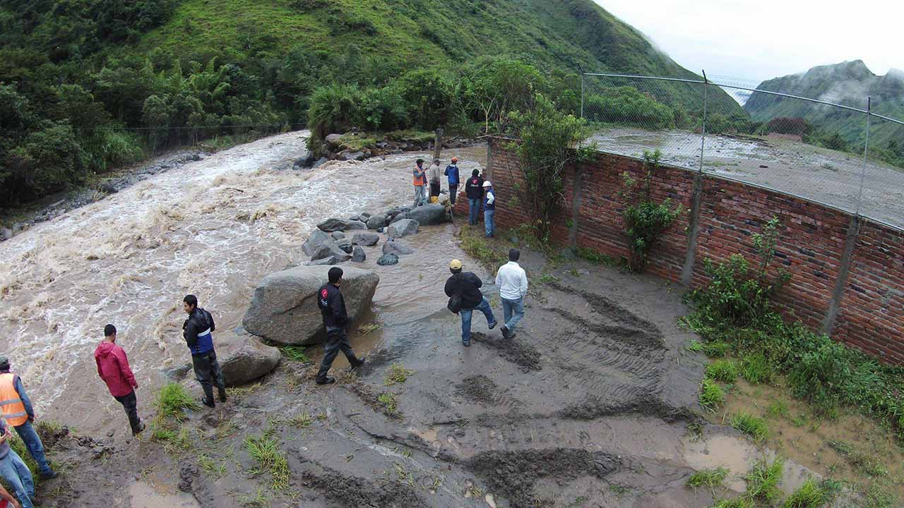 El hecho, que desapareció a cuatro personas, se debió a las fuertes lluvias registradas en el municipio Corinto del país sudamericano