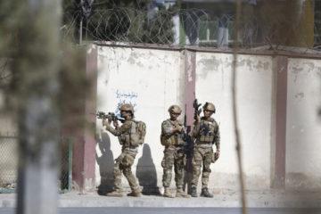 """La milicia se adjudicó los hechos que dejaron más de 20 heridos en el canal """"Shamshad TV"""", uno de los más importantes de Afganistán"""