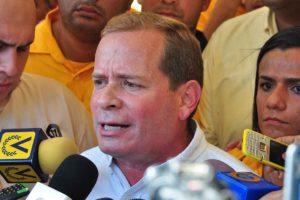 También mencionó queuno de los problemas más notables fue que los coordinadores de todos los centros de votación eran del Psuv