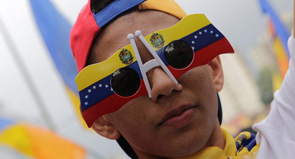 Venezuela - Politólogo Carlos Raúl Hernández explica errores de la oposición