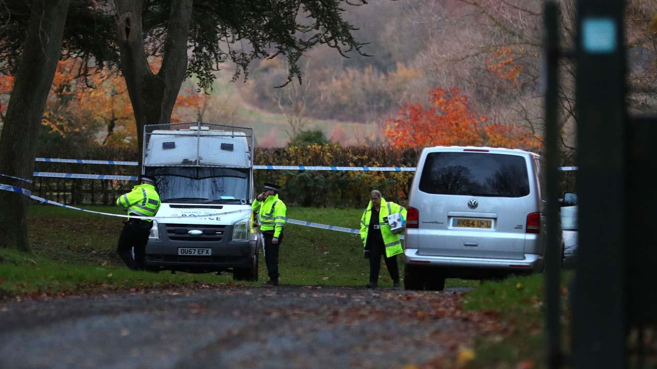 El choque entre un helicóptero y un avión pequeño se produjo en las adyacencias de una residencia histórica en Aylesbury, Buckinghamshire