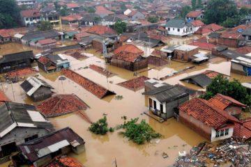 15 de las víctimas fallecieron tras ser tapeadas por un deslizamiento de tierra
