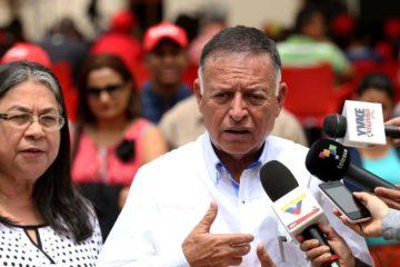 El político expresó quela intención de los representantes del Ejecutivo es establecer acuerdos que frenen las sanciones internacionales contra Venezuela