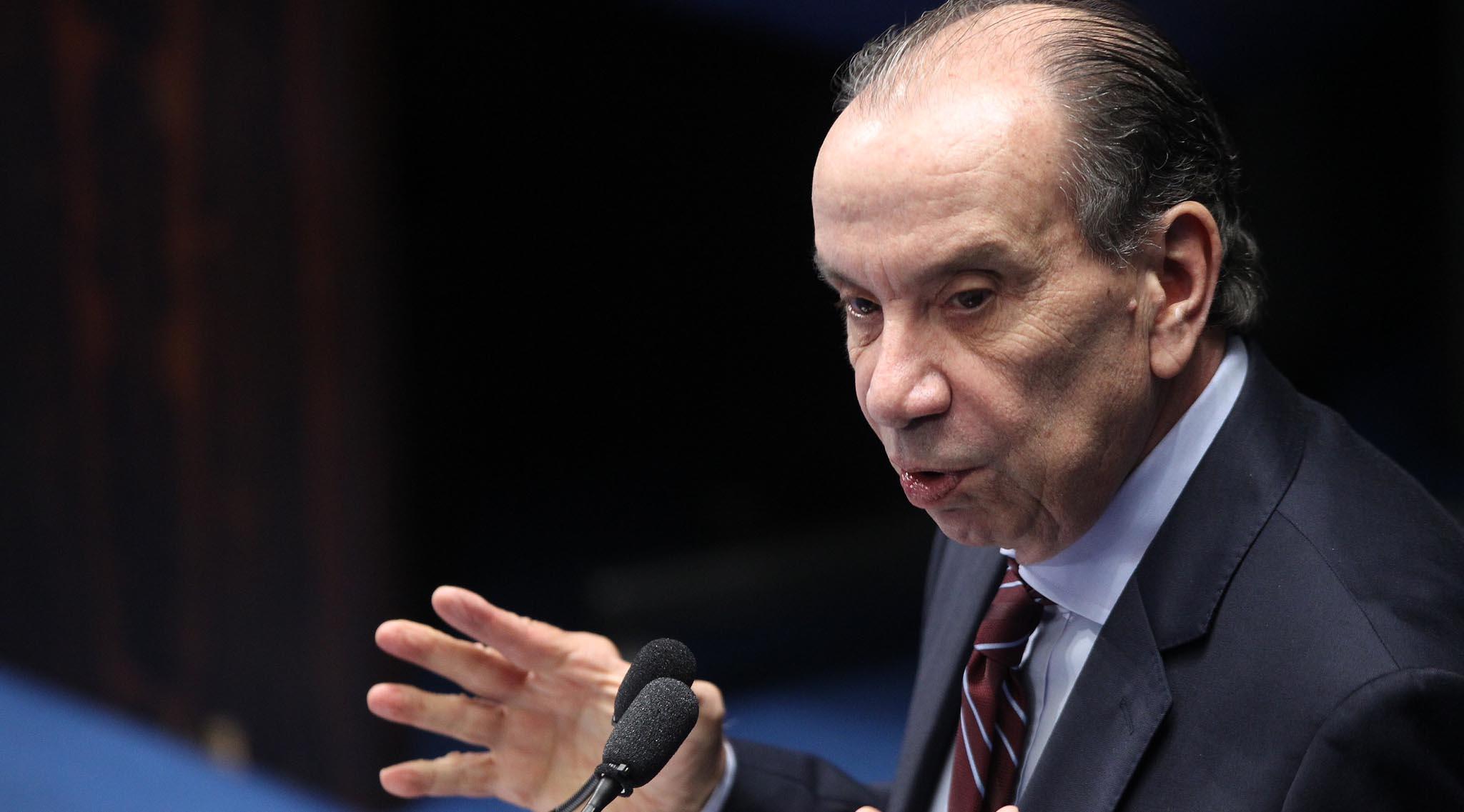 """El ministro Aloysio Nunes aseguró que tal posición """"es incompatible con el deseo de negociación que el Gobierno manifestó en el diálogo"""""""