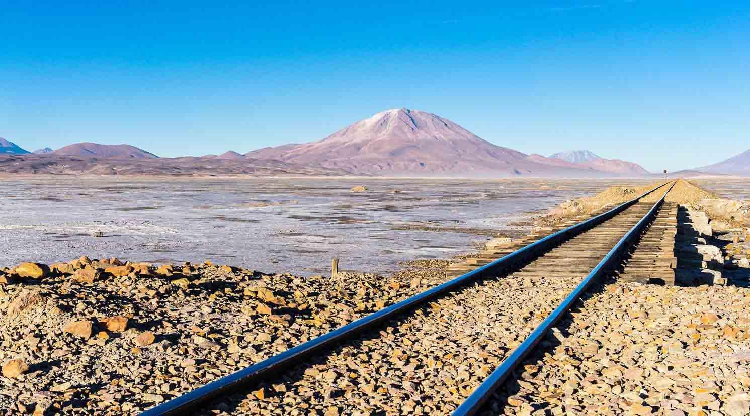 """La línea de ferrocarril recibió como nombre """"Corredor Ferroviario Bioceánico de Integración"""" y cruzará Brasil, Bolivia y Perú"""