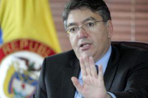 """Mauricio Cárdenas resaltó que la situación económica de Venezuela """"está asociada al mal manejo de las finanzas públicas"""""""