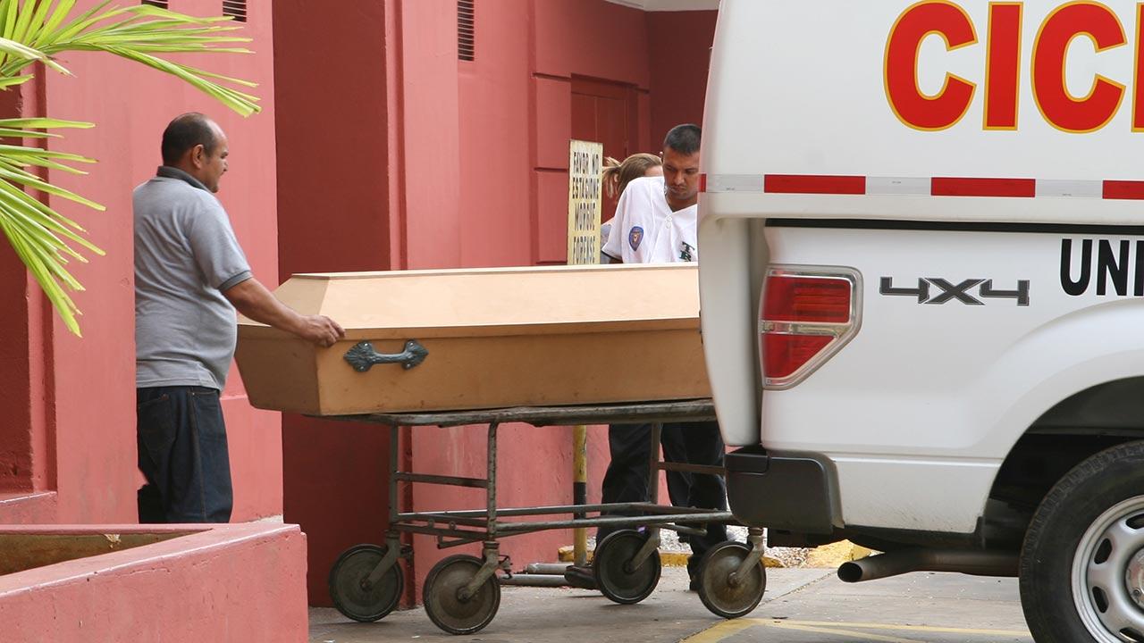 Yasmely Urdaneta de 47 años se arrojó desde el elevado situado e la localidad del estado Zulia