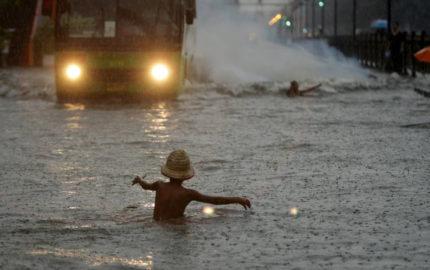 Otras seis personas se encuentran desaparecidas y 40.000 tuvieron que abandonar sus casas