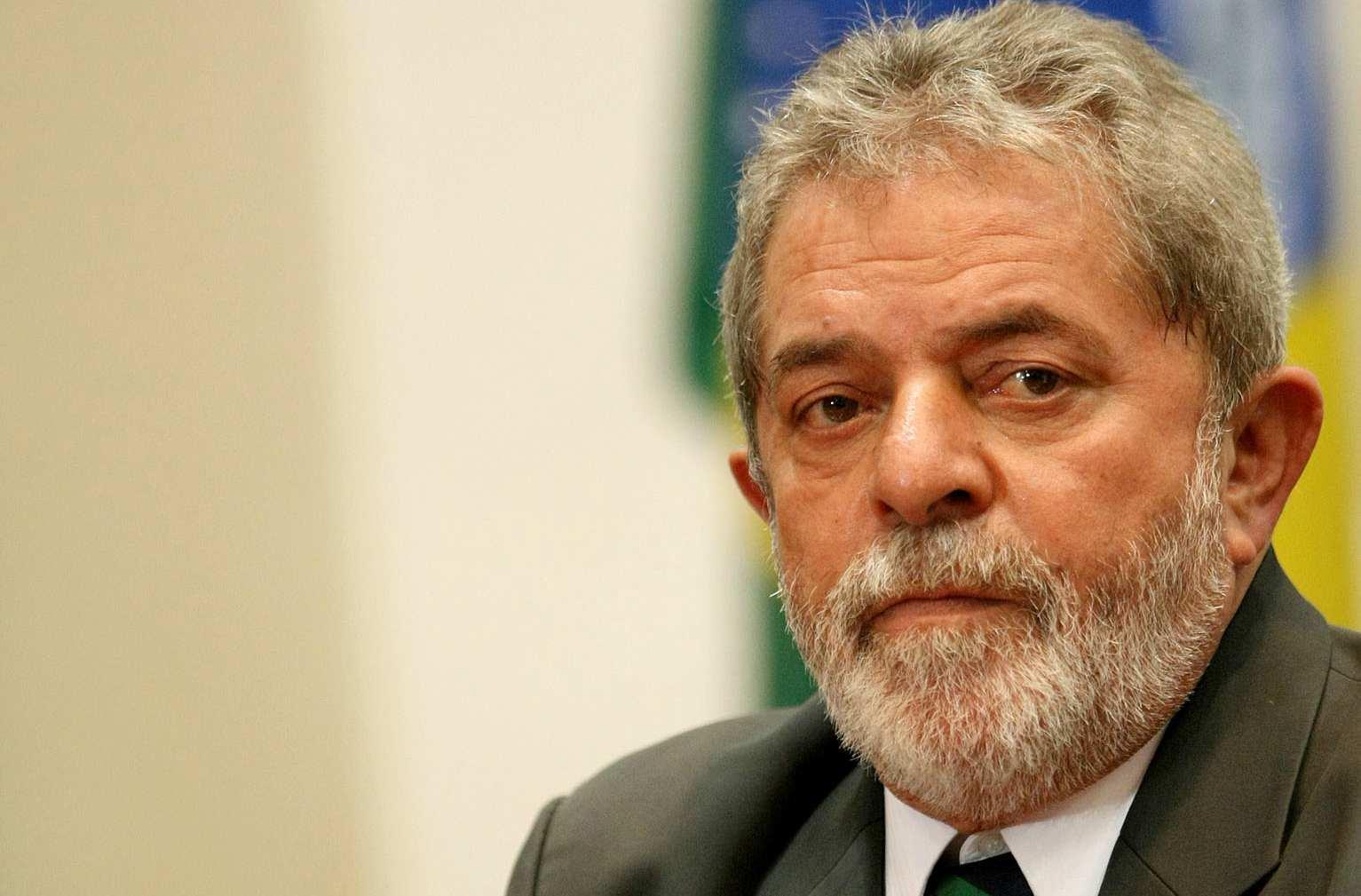 Un Tribunal de Porto Alegre ratificó la condena y aumentó la pena de 9 a 12 años por lo que el ex mandatario ve difícil su participación en los comicios de octubre para los que era favorito