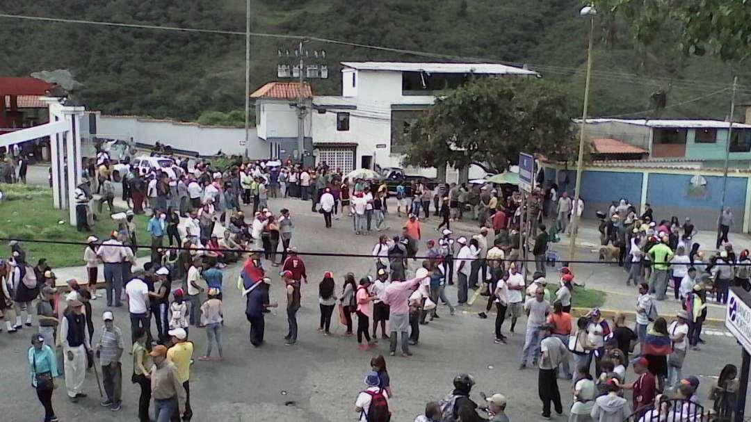 Cuatro fallecidos, quince heridos y varios detenidos fue producto de las manifestaciones que se presentaron en poblaciones merideñas