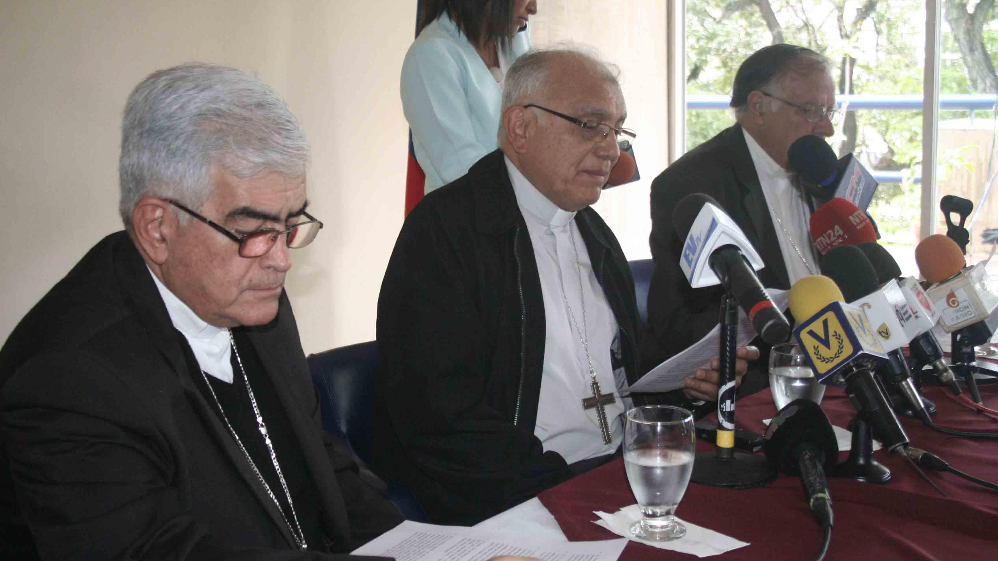 """Los religiosos """"desconocen y omiten estas disposiciones, para legislar según los intereses propios del poder"""""""