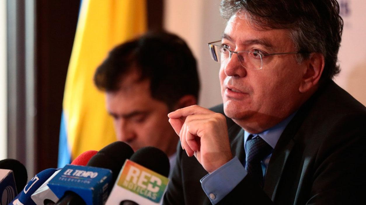 El ministro de Hacienda colombiano Mauricio Cárdenas explicó que el fenómeno migratorio pone en aprietos económicos al país