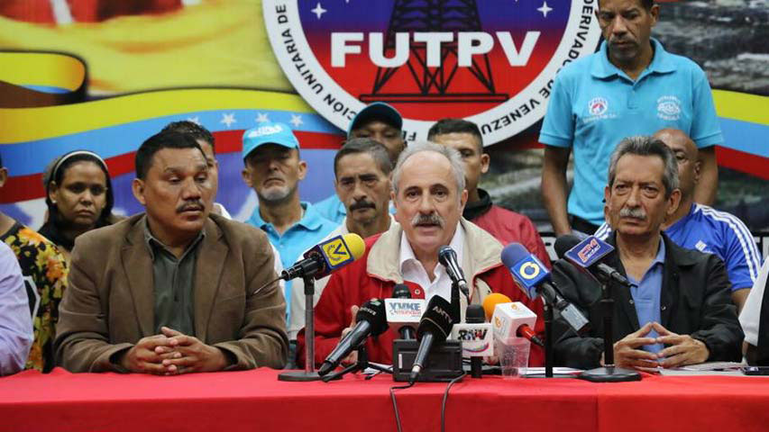 """El constituyente Carlos López explicó que las medidas buscan """"defender el salario de las familias venezolanas y frenar la especulación"""""""